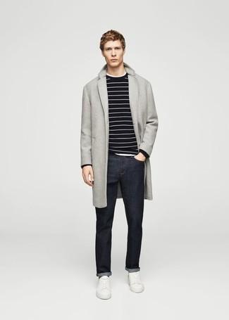 Come indossare e abbinare un soprabito grigio: Mostra il tuo stile in un soprabito grigio con jeans blu scuro per un abbigliamento elegante ma casual. Per un look più rilassato, opta per un paio di sneakers basse in pelle bianche.