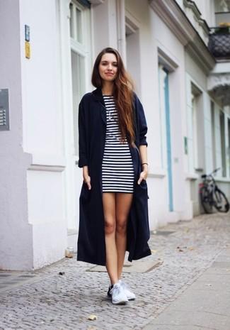 28859ed0dbd7 Come indossare un vestito a righe orizzontali (130 foto)