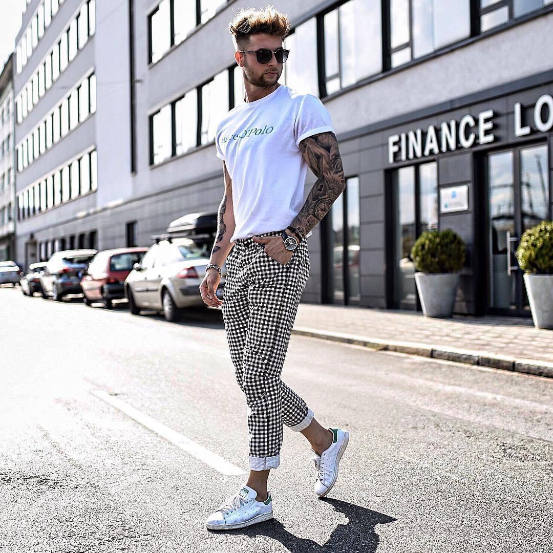 Look Alla Moda Per Uomo T Shirt Girocollo Stampata Bianca Chino A