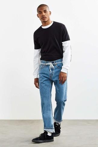 Come indossare e abbinare calzini bianchi: Metti una t-shirt manica lunga stampata bianca e nera e calzini bianchi per una sensazione di semplicità e spensieratezza. Aggiungi un paio di sneakers basse in pelle scamosciata nere al tuo look per migliorare all'istante il tuo stile.