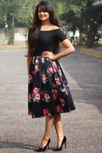 huge sale ad794 a8865 Look alla moda per donna: Top con spalle scoperte nero ...