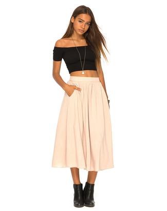 Come indossare e abbinare una gonna beige (221 outfit