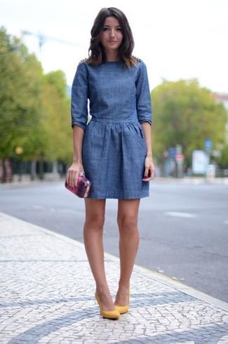 7cd389157f078 Come indossare un vestito a pieghe di jeans (6 foto)