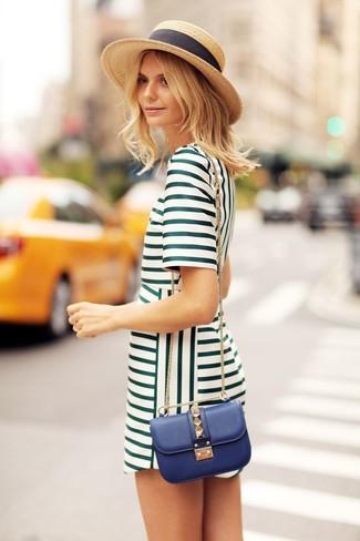 Punta su un vestito a trapezio verde per affrontare con facilità la tua giornata.
