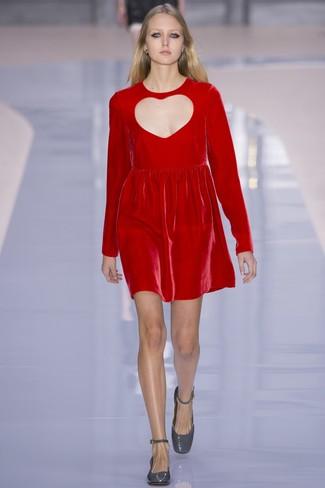 the best attitude 1d4aa aa051 Come indossare e abbinare un vestito di velluto rosso (26 ...
