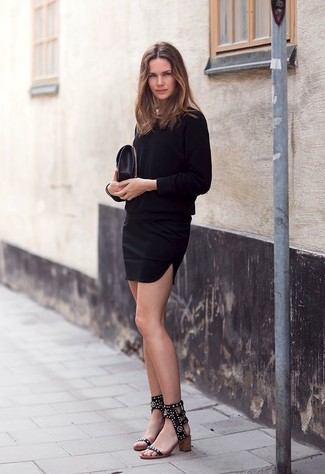 516fab51a5 Come indossare un vestito a trapezio nero (98 foto) | Moda donna ...