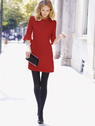 super popular 2fc83 2c984 Look alla moda per donna: Vestito a trapezio rosso ...
