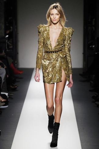 7a00af9201 Look alla moda per donna: Vestito a tubino con paillettes dorato ...
