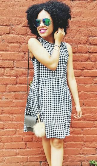 premium selection 0bf9c 30c3d Look alla moda per donna: Vestito casual a quadretti bianco ...