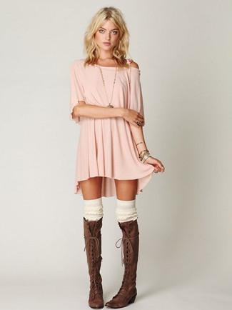 online retailer e6b7a e2c16 Come indossare e abbinare un vestito casual rosa e nero (11 ...
