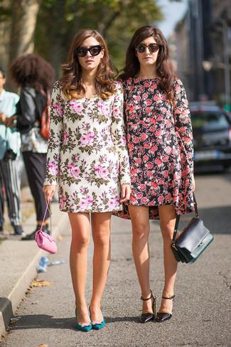 Come indossare un vestito casual a fiori rosso e nero (6 foto ... 06f8bea39e7