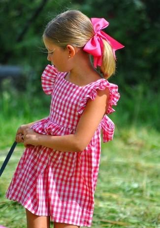 Come indossare: vestito fucsia