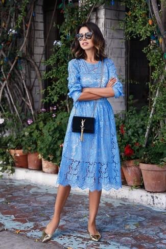 6ed06e7ec781 Look alla moda per donna  Vestito longuette di pizzo azzurro ...