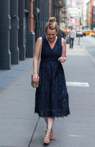 new products ad9f1 b212e Come indossare e abbinare un vestito di pizzo nero (102 foto ...
