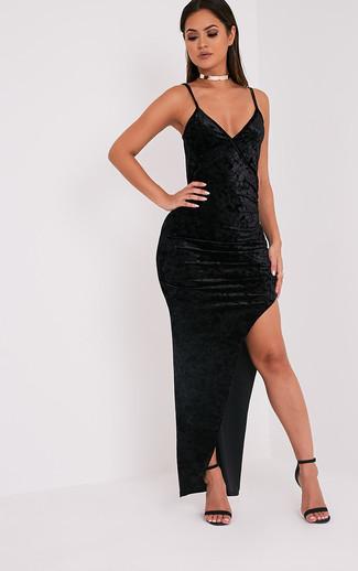 6fc01e010999 Come indossare un vestito lungo di velluto nero (3 foto)