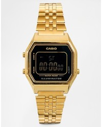 Orologio dorato di Casio