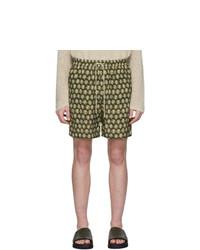 Pantaloncini stampati verde oliva di Nanushka