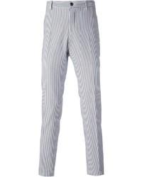 66fa4a16a83f Pantaloni a righe verticali bianchi e blu da uomo   Moda uomo ...