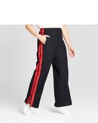 Pantaloni larghi rossi e neri