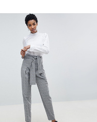 Pantaloni stretti in fondo a quadri grigi di Asos Tall