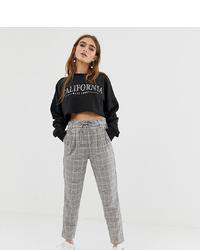 Pantaloni stretti in fondo a quadri grigi di Only Petite