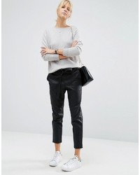 Pantaloni stretti in fondo in pelle neri di Asos