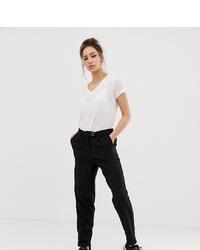 Pantaloni stretti in fondo neri di Vero Moda Tall