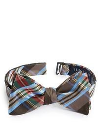 Come indossare un papillon scozzese marrone (6 foto)  afe77e91755d