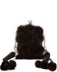 Pochette di pelliccia nera di Alexander McQueen