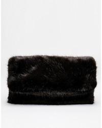 Pochette di pelliccia nera di Asos