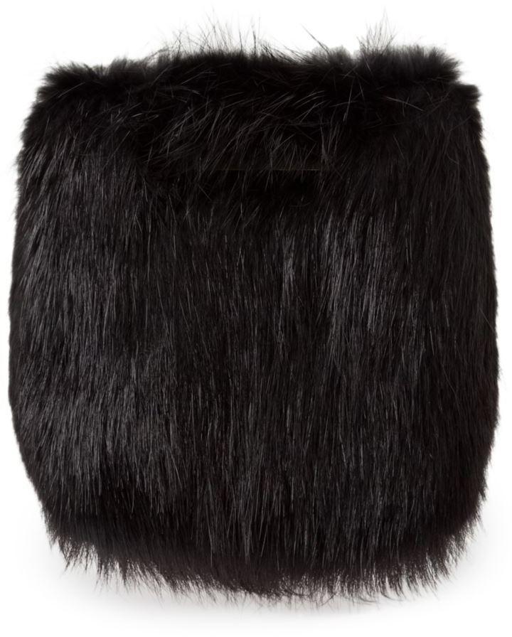 Pochette di pelliccia nera di Balenciaga