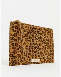 Pochette in pelle scamosciata leopardata marrone chiaro di Miss KG