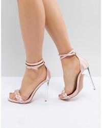 Sandali con tacco di raso rosa di LOST INK
