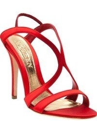 Sandali con tacco di seta rossi di Alexander McQueen