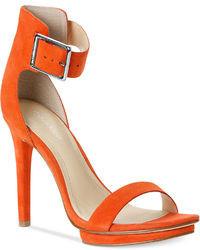 Sandali con tacco in pelle arancioni