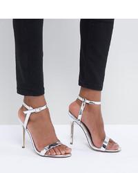 Sandali con tacco in pelle argento di Missguided