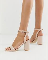 Sandali con tacco in pelle beige di RAID