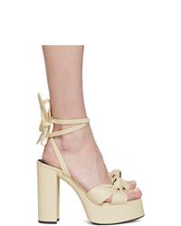 Sandali con tacco in pelle beige di Saint Laurent
