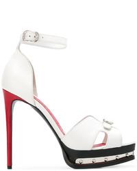 Sandali con tacco in pelle bianchi di Alexander McQueen
