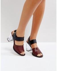 Sandali con tacco in pelle bordeaux di Asos