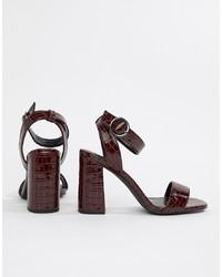 Sandali con tacco in pelle bordeaux di New Look