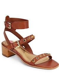 Sandali con tacco in pelle con borchie marroni