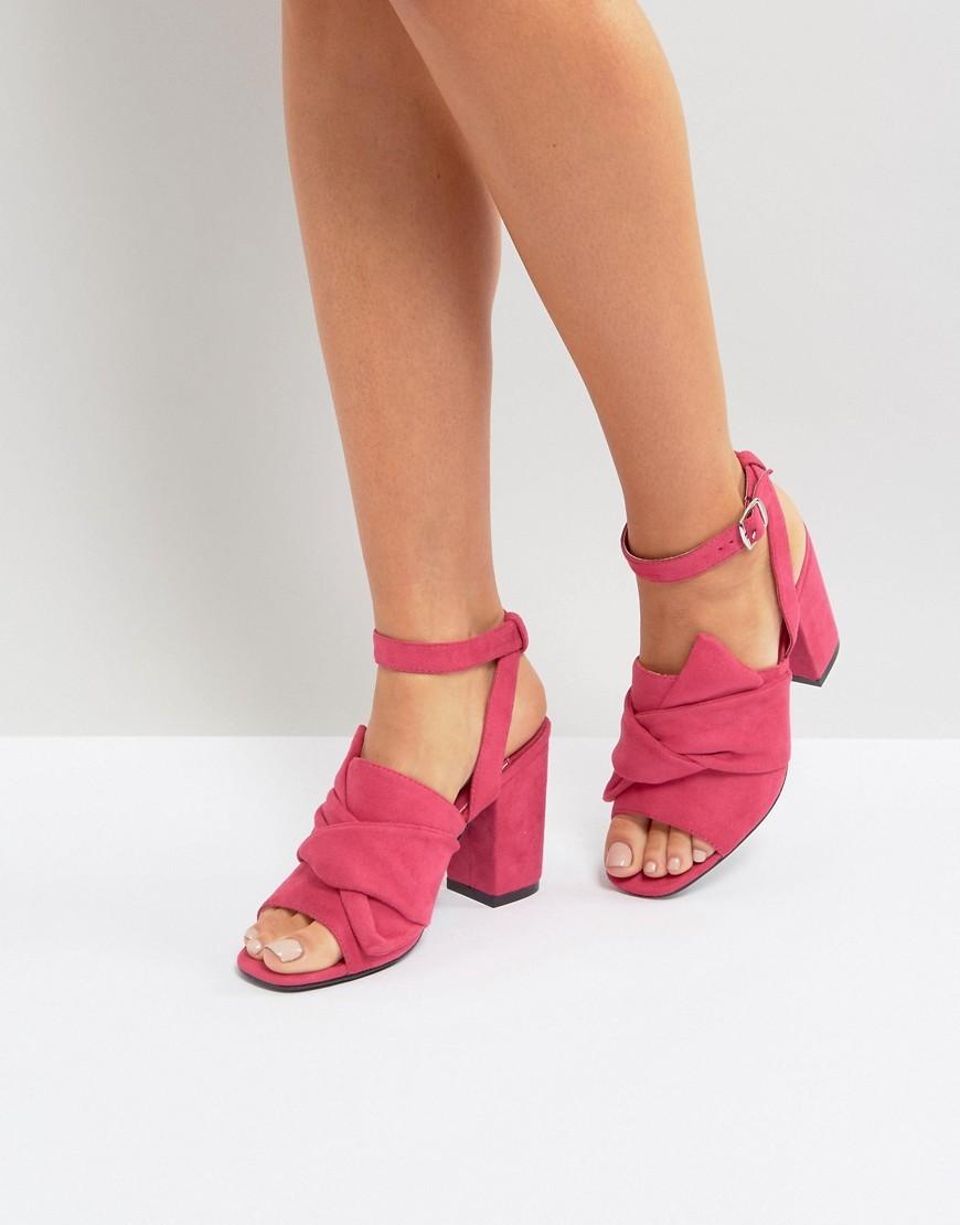 Sandali con tacco in pelle fucsia di Park Lane