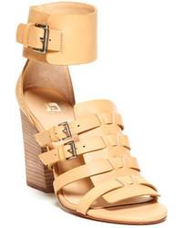 Sandali con tacco in pelle marrone chiaro