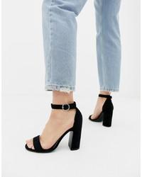 Sandali con tacco in pelle scamosciata neri di New Look