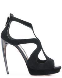 Sandali con tacco neri di Alexander McQueen