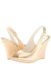 Sandali con zeppa in pelle dorati