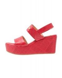 Sandali con zeppa in pelle rossi di Moschino