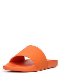 Sandali di gomma arancioni