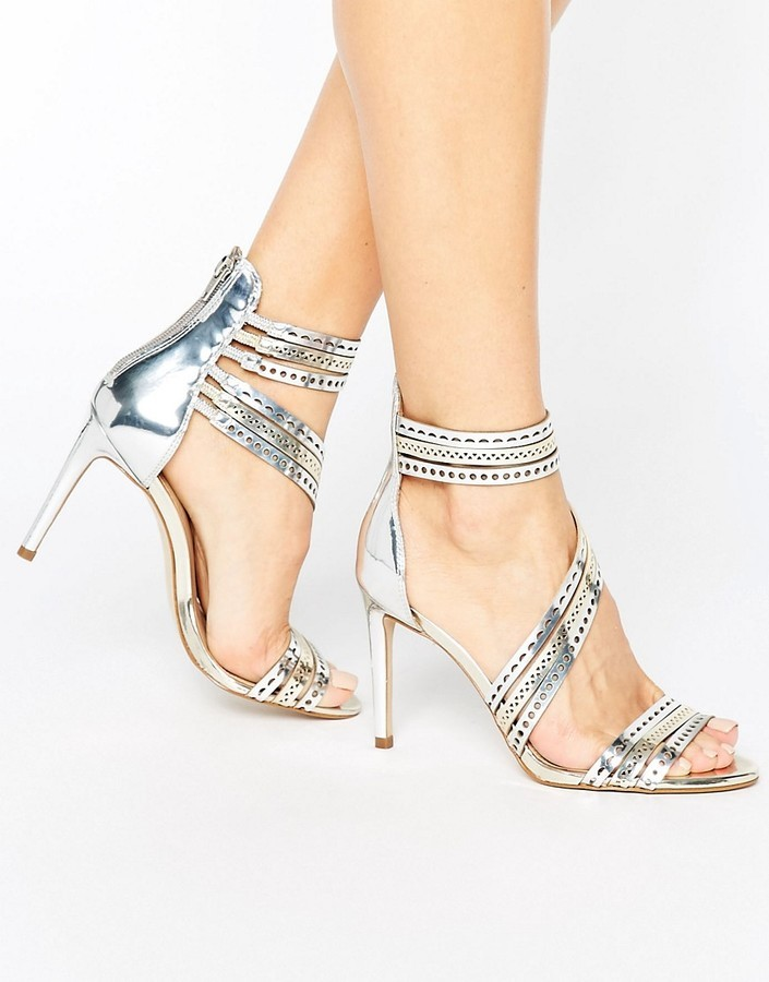 Sandali in pelle argento di Carvela